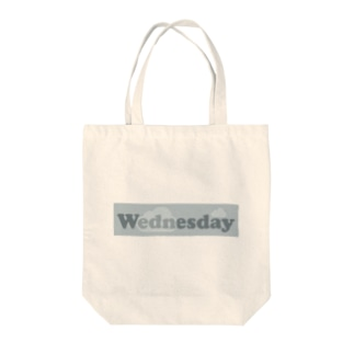 cloudyWENDSDAY Tote bags