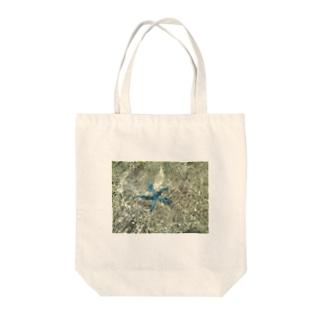 青い星 Tote bags