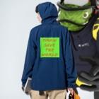 AIM HIGH Product さらなる高みが目指せる品々のTNKN SAVE THE WORLD Anorakの着用イメージ(裏面)