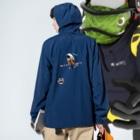 LittleLoroのMARU ジョビとジョバ まるい小鳥 ジョウビタキ ヒタキ イラスト Anorakの着用イメージ(裏面)