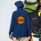 GREAT 7の666 Anorakの着用イメージ(裏面)