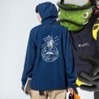 49HEAVENのMOON VACATION Anorakの着用イメージ(裏面)