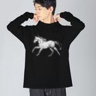 馬の絵の画家 斉藤いつみの走る馬シャツ Big silhouette long sleeve T-shirts
