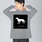 mya-mya=MIYA JUNKO's shop 02のbeautiful white shepherd dog Big silhouette long sleeve T-shirts