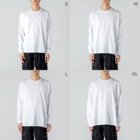 OSHIYOMANのバッハ J.S.Bach Big silhouette long sleeve T-shirtsの男性着用イメージ