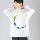 さかたようこ / サメ画家の飛び出せ助走SAME Big silhouette long sleeve T-shirts