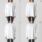 kitaooji shop SUZURI店のLapin angelique Big silhouette long sleeve T-shirtsの女性着用イメージ