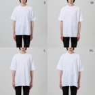 kei saitoのStuffed Animals_Hippo Big silhouette T-shirtsの男性着用イメージ