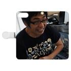 ZOZOTAWN の矢野さとる Book-style smartphone caseを開いた場合(外側)