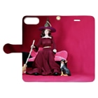 FUCHSGOLDの人形写真:箒を持った黒髪の魔女 Doll picture: Brunette witch with a dog Book-style smartphone caseを開いた場合(外側)