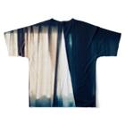mebuki_unkoのカテン Full graphic T-shirtsの背面