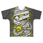 HUGオフォシャルショップのMummy with Stinky Teddy フルグラフィックTシャツ