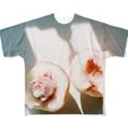 harucameraのharucamera モモ Full graphic T-shirts