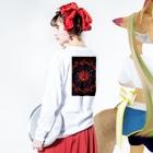5usurnuの烈火 Long sleeve T-shirtsの着用イメージ(裏面・袖部分)