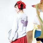 piacereのponnu_pink Long sleeve T-shirtsの着用イメージ(裏面・袖部分)