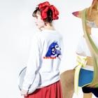 うめだ米太郎のバックプリントロンT Long sleeve T-shirtsの着用イメージ(裏面・袖部分)