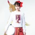 卍鮭^ゑ^鮭卍の五月病人形 Long sleeve T-shirtsの着用イメージ(表面)