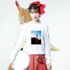 はんぐるぐるぐるの野草シリーズ 「スイバ」 Long sleeve T-shirtsの着用イメージ(表面)