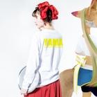 のすショップのBIKE AND YAMA Long sleeve T-shirtsの着用イメージ(裏面・袖部分)