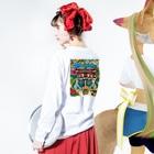 CHEBLOの首里城チャリティグッズ Long sleeve T-shirtsの着用イメージ(裏面・袖部分)