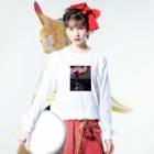 ゆさぎの赤い椅子 Long sleeve T-shirtsの着用イメージ(表面)