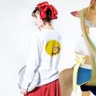 junsen 純仙 じゅんせんのJUNSENSETA(瀬田純仙)古代絵者1黄紫 ふちなし Long sleeve T-shirtsの着用イメージ(裏面・袖部分)