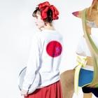junsen 純仙 じゅんせんのJUNSENSETA(瀬田純仙)古代絵者1赤紫ふちなし Long sleeve T-shirtsの着用イメージ(裏面・袖部分)