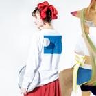 Iwabuchi MamiのPOOL Long sleeve T-shirtsの着用イメージ(裏面・袖部分)