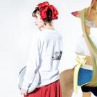 nvivetoのネイチャーシリーズ ビックホーンシープ ~Nature series Bighorn sheep~ Long sleeve T-shirtsの着用イメージ(裏面・袖部分)