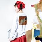 sskkyy467の薬 Long sleeve T-shirtsの着用イメージ(裏面・袖部分)