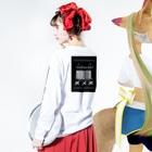 まの_☁︎︎のmouth Long sleeve T-shirtsの着用イメージ(裏面・袖部分)