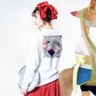 ハナイトのGo with the 風呂(黒ヒヨコ) Long sleeve T-shirtsの着用イメージ(裏面・袖部分)