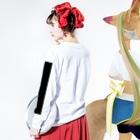 tsuchiyamadokaのホリデイ Long sleeve T-shirtsの着用イメージ(裏面・袖部分)