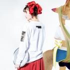 iheuyushi2のcheck your head Long sleeve T-shirtsの着用イメージ(裏面・袖部分)
