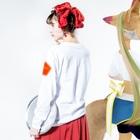 ユウ子のゆうこさん Long sleeve T-shirtsの着用イメージ(裏面・袖部分)