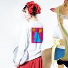 Santa inthetentのヘラジカ Long sleeve T-shirtsの着用イメージ(裏面・袖部分)