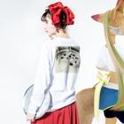 ogataseiyadesuのタバコ Long sleeve T-shirtsの着用イメージ(裏面・袖部分)