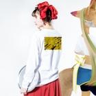 inase skoolのinaseTp no.3 Long sleeve T-shirtsの着用イメージ(裏面・袖部分)