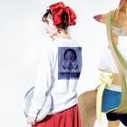 仁烏巣-niusu- 疑心暗鬼の-岡目八目- Long sleeve T-shirtsの着用イメージ(裏面・袖部分)