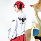 Màau Music.貓音樂 マウミュージックネコショップの貓羽ちゃん長袖T Long Sleeve T-Shirtの着用イメージ(裏面・袖部分)