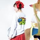 絢寧のアオリンゴパンチ  🍏👊🏻 Long Sleeve T-Shirtの着用イメージ(裏面・袖部分)