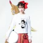 ほっかむねこ屋@5/16→31  吉祥寺駅のトイレねこ 黒 Long sleeve T-shirtsの着用イメージ(表面)