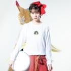 SCHINAKO'Sのチモシーに埋もれるうさぎさん ブロークンオレンジ Long sleeve T-shirtsの着用イメージ(表面)
