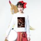 Neji pojiの「ぼくは正常です。」ホラー注意。サイコパス生首デザイン Long sleeve T-shirtsの着用イメージ(表面)