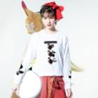 テンテン商店 in SUZURIのテンテンコ お絵かきTシャツ ~𓆛Goldfish𓆛~ Long sleeve T-shirtsの着用イメージ(表面)