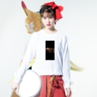 mashimashi7の黒い犬男 Long sleeve T-shirtsの着用イメージ(表面)
