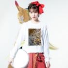 サクアンドツバミルヨシの魂世界から3次元 Long sleeve T-shirtsの着用イメージ(表面)