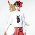 kinako-japanのサビ猫のキューちゃん 背景白 Long sleeve T-shirtsの着用イメージ(表面)