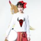 カイカイの出店の赤い坊や Long sleeve T-shirtsの着用イメージ(表面)