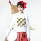 Mieko_Kawasakiの欲望のピザ🍕 GUILTY PLEASURE PIZZA AO TRANSPARENCY Long Sleeve T-Shirtの着用イメージ(表面)